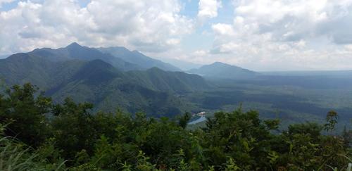 精進湖登山口よりパノラマ台へ